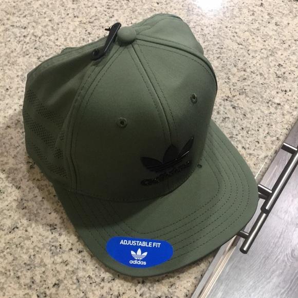 2cb14ec4947 Adidas SnapBack green adjustable fit